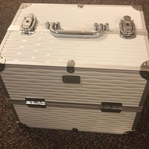 London Soho Makeup carry all case